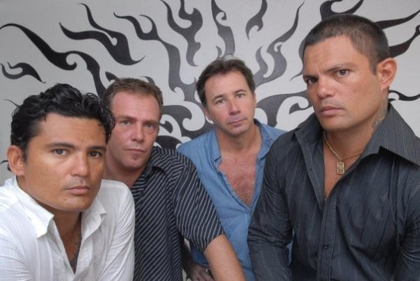 Tikahiri - The Band